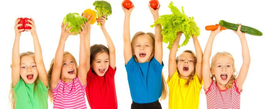 تشویق کودک به خوردن سبزیجات